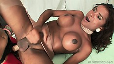 Wild dame bonks the horny shemale with the long and big strap on